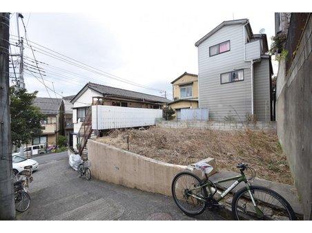 新座1(柳瀬川駅) 1100万円 現地  現況更地の為即建築可能です。建築条件はありません、お好みのハウスメーカーで建築できます。 資料請求やご見学などお気軽にお問い合わせ下さい♪