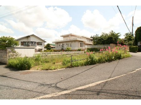 千葉寺町(本千葉駅) 2680万円 南東角地で南間口が広く日当たりの良い建物プランが計画しやすい土地です。
