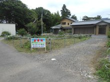 日川 204万円 右側の砂利部分も含みます。