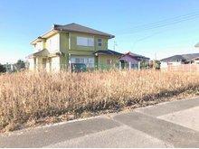 蓮沼ニ(松尾駅) 280万円 92.56坪の広い土地です。海まで徒歩圏です。 海が好きな方!田舎暮ししたい方! 是非、物件を見に来て下さい。