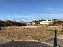 津辺(成東駅) 350万円 現地(2019年1月)撮影 JR成東駅より徒歩9分! 約100坪の角地です。 都市ガス(前面道路有 引込なし) 引込可能です。