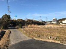 津辺(成東駅) 350万円 現地(2019年1月)撮影 南東・南西の約100坪の角地です! ※続きの土地約60坪も併せて購入可能です。 詳しくはお問合せ下さい。