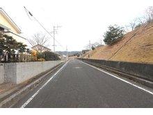 真弓町(大甕駅) 260万円 前面道路(2021年2月)撮影