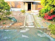 宝町(細谷駅) 2680万円 2680万円、6LDK+S(納戸)、土地面積495.87㎡、建物面積170.58㎡お庭は日本庭園な仕上がりとなっておリます。屋根付き車庫や物置部屋等々、実用性に優れたお庭です!!