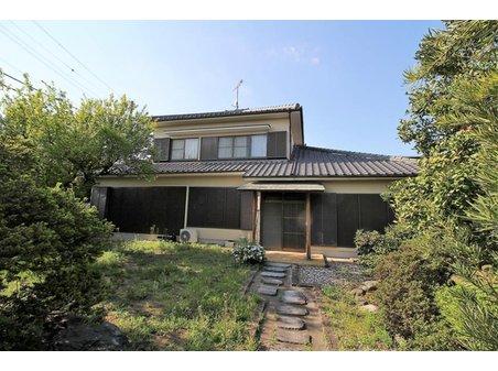 宝町(細谷駅) 2680万円 お庭は日本庭園な仕上がりとなっておリます。屋根付き車庫や物置部屋等々、実用性に優れたお庭です!!