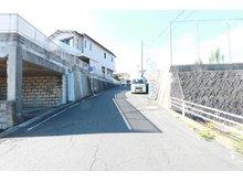 河原子町3(常陸多賀駅) 1000万円 前面道路(2020年8月)撮影