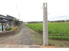 大字村松(東海駅) 580万円 前面道路(2020年10月)撮影