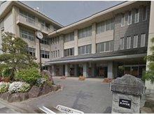 飯田市立緑ケ丘中学校まで483m