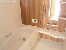 東本町3(高田駅) 2850万円 落ち着いた雰囲気の浴室