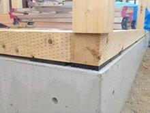 名古屋市南区 外山一丁目 【一戸建て】 【ひのき土台】土台は耐久性に優れた桧(ひのき)の芯持ち材、防蟻処理(シロアリ対策)を行い土台を長持ちさせます。