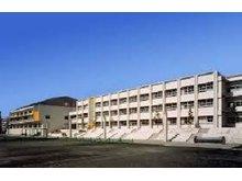 ヴェルビュ自由ヶ丘 名古屋市立千種台中学校まで335m