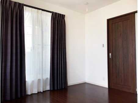 (9号地)主寝室。プロが選んだ大塚家具のカーテンをプレゼント!Wキャンペーン実施中です。