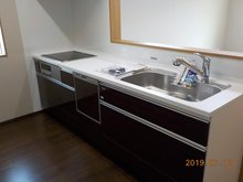 室内(2019年7月)撮影:水廻り3点セット。食洗器&浄水器。 浴室乾燥&暖房機