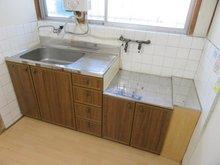 島頭1(萱島駅) 450万円 キッチンも綺麗な状態で保たれております♪