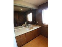 鳴子2(西鈴蘭台駅) 4800万円 1階、2階の2か所にトイレと洗面台があります。