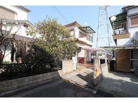 魚住町西岡(東二見駅) 1080万円 外観 閑静な住宅街にあります。 南東側に駐車場を配し、陽当たり良好です。