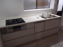 小倉東町(牧野駅) 1680万円 室内(2021年9月)撮影:食洗機付きシステムキッチンを新設