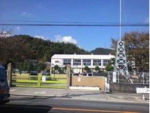 倉敷市立児島小学校まで880m