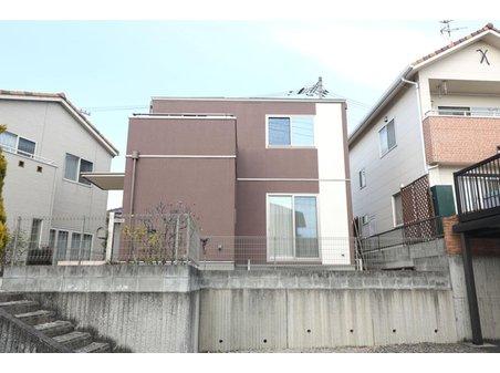 引野町南3 2880万円 平成25年11月新築、駐車スペースはお車2台分駐車スペースがあります♪