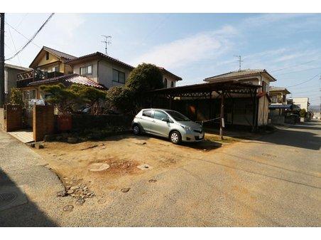 今津町5 1820万円 全5筆81.65坪! 写真は北側の土地になります。 駐車場や庭としてご利用いただける39.26坪。