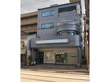 宇品神田1(県病院前駅) 1億1800万円 医院併用住宅としてもお使いいただくことが可能な希少な物件で、駐車場も5台確保しております