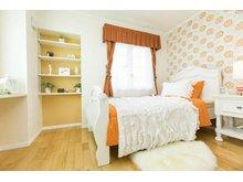 【セルコホーム】姶良平松 クイーンアン・スタイル モデルハウス 【一戸建て】 子ども部屋には輸入壁紙を使用し、明るい雰囲気に♪