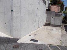 【投資用物件】輝国2 2380万円 駐車場スペース